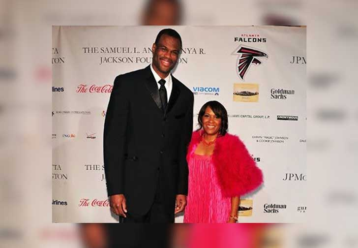 the-25-richest-nba-players-and-the-women-behind-them_47